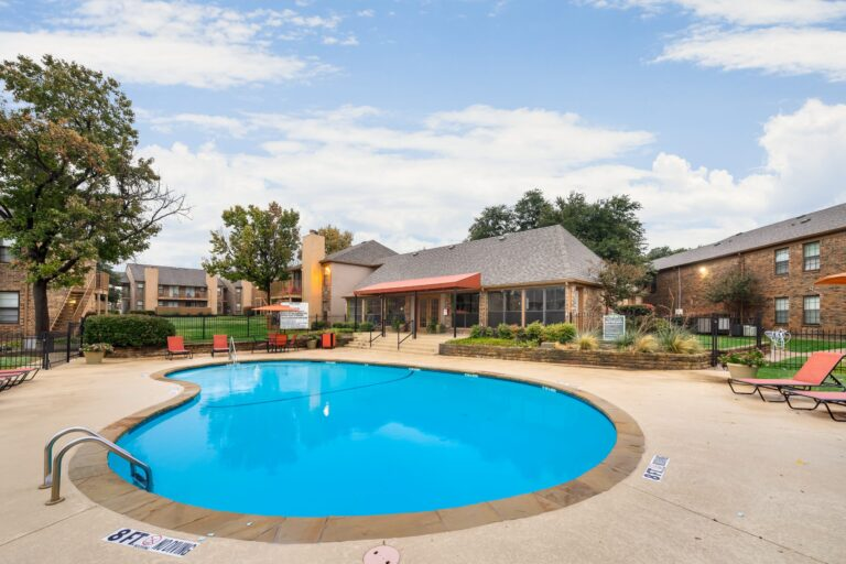 3420 Country Square Dr _ 16